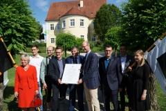 Mitglieder des Vorstands nahmen die Auszeichnung stellvertretend für die rund 700 Mitglieder entgegen.