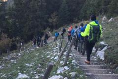 Bei Sonnenschein machte sich die Gruppe wieder auf den Weg zurück ins Tal.