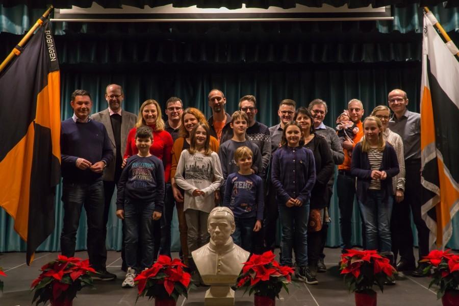 Gruppenfoto mit den anwesenden Neumitgliedern der Kolpingsfamilie Bobingen.
