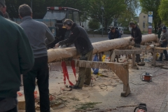 Maibaum 2019: Der Baum wird vorbereitet.
