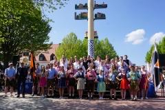 Maifest 2019: Unsere Tänzer 2019 vor dem Maibaum