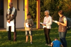 Präses Thomas Rauch wurde unterstützt von Ministranten und Liturgieteam.