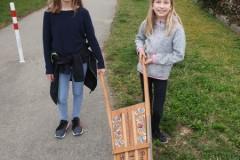 In Zweiergruppen machten sich die Mitglieder der Kolping Jugend auf den Weg.